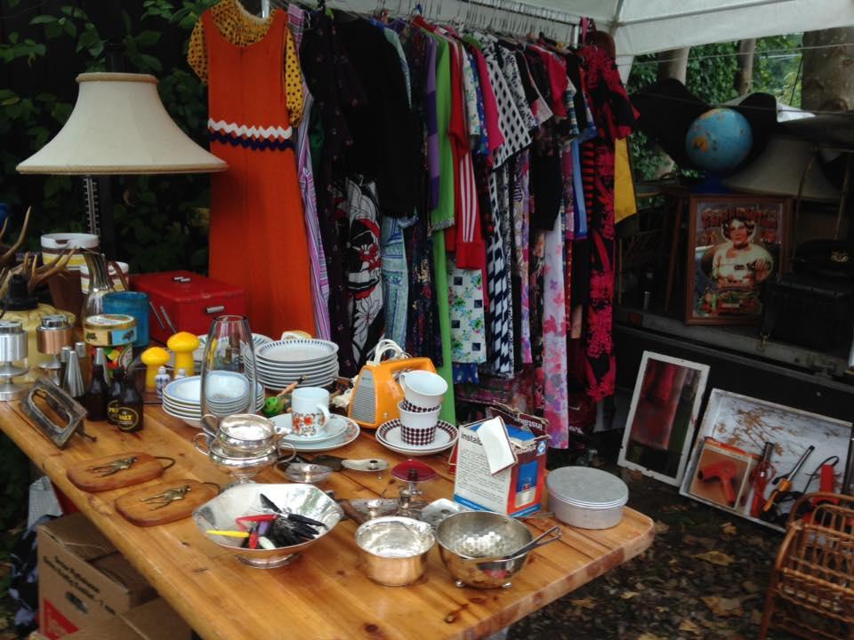 Loppemarked i Loppelunden - kjoler