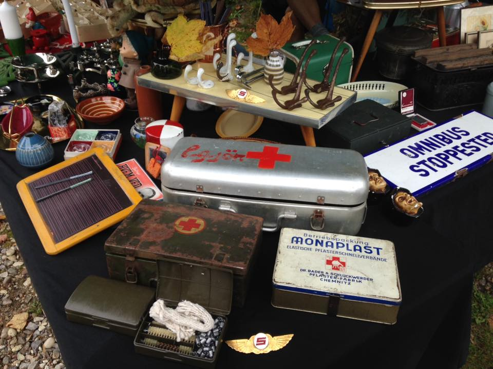 Loppemarked i Loppelunden - militærLoppemarked i Loppelunden - militær